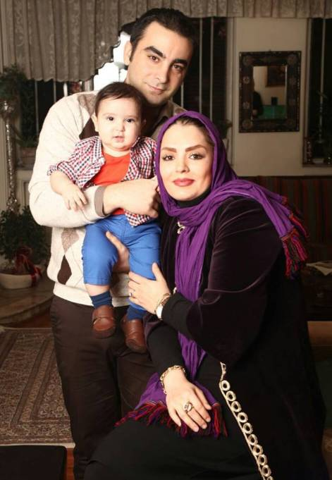 سپیده خداوردی در کنار همسر و پسرش