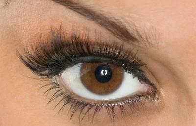 روش دوم آرایش چشم با پوست سفید و چشم قهوهای