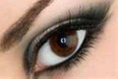 روش سوم آرایش چشم با پوست سفید و چشم قهوهای