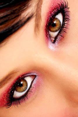 آرایش صورت با پوست سفید ورنگ چشم روشن یا عسلی