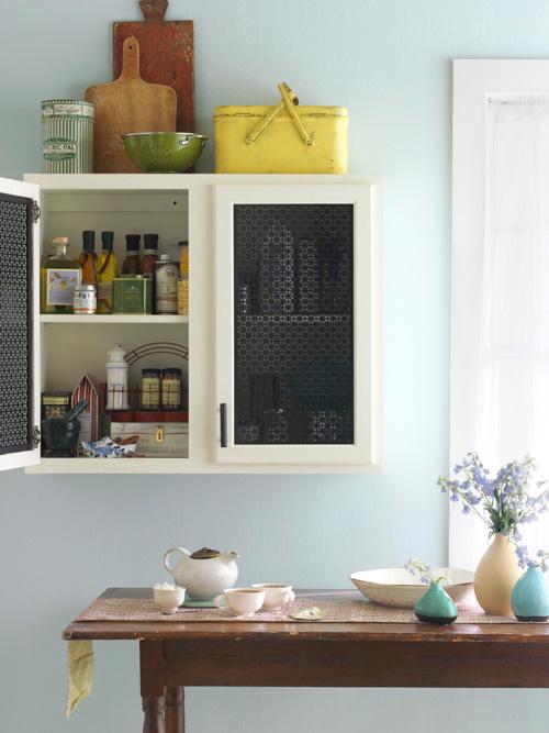 تغییر کابینت های قدیمی با پوشش های توری جنس چوب,تغییر کابینت های قدیمی با 7 ایده ارزان قیمت  جالب!!
