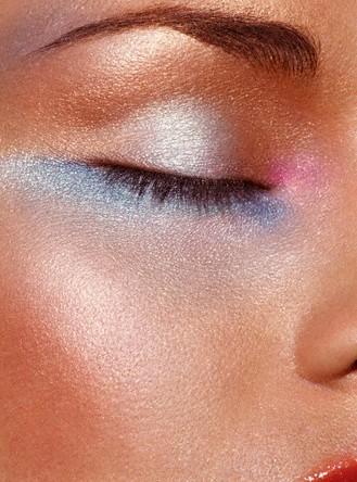 آرایش وزیبایی، آرایش، زیبایی، میکاپ، چشم آبی، پوست تیره