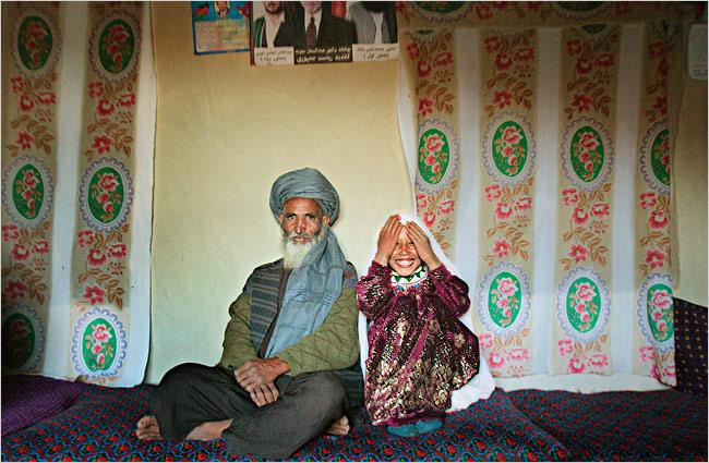 تصویری ازداماد 55ساله وعروس 11ساله