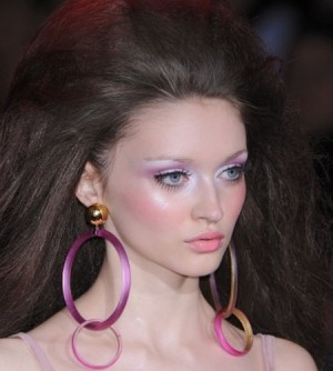 www.musiccloob.com آرایش های مدل باربی برای خانم های جوان