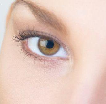 مدل ابرو برای خانمها در صورت هایی با بینی پهن - مدل شماره 3