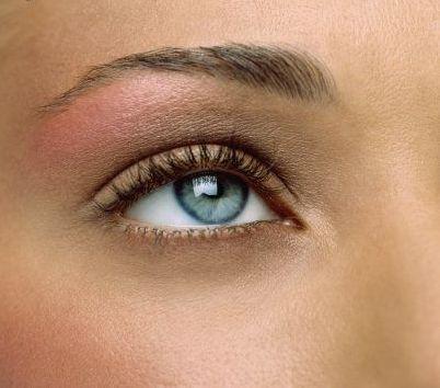 مدل ابرو برای خانمها در صورت هایی با بینی پهن - مدل شماره 2