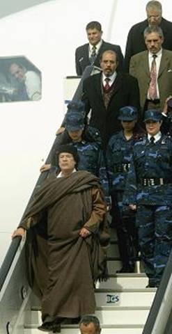 پادشاهی که گارد حفاظتیاش 400 دختر مجرد میباشد!!!!!! - Bitrin.com