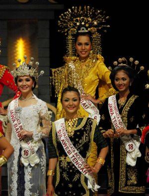 دختر توریسم سال 2009 اندونزی انتخاب شد!؟ www.taknaz.net