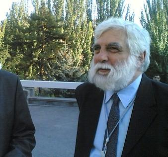 پروفسور کارو لوکاس