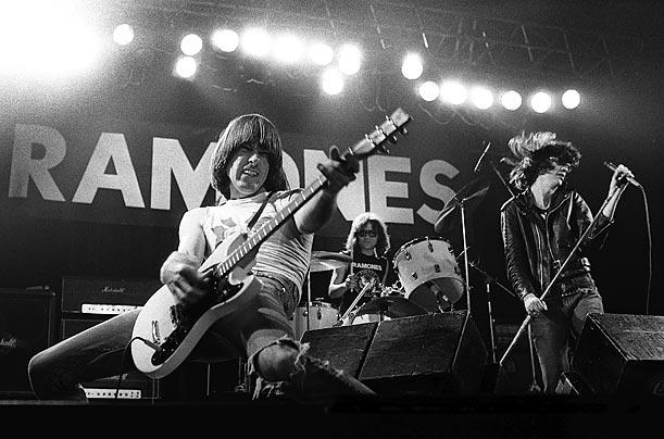 نوازنده گیتار,گیتار برقی,نوازندگی,راک,جانی رامون