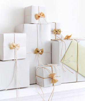 کادو کردن با جعبه شیرینی یا لازانیا