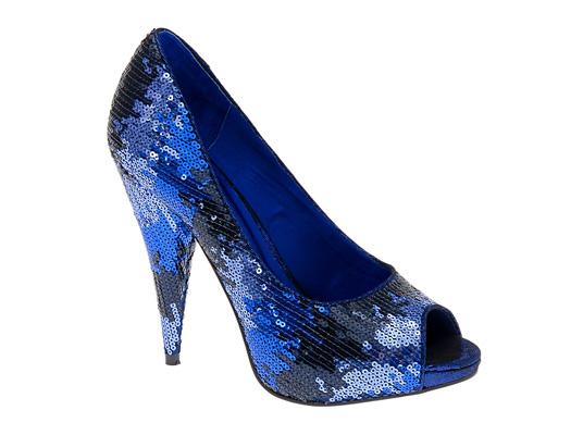 کفش های آبی