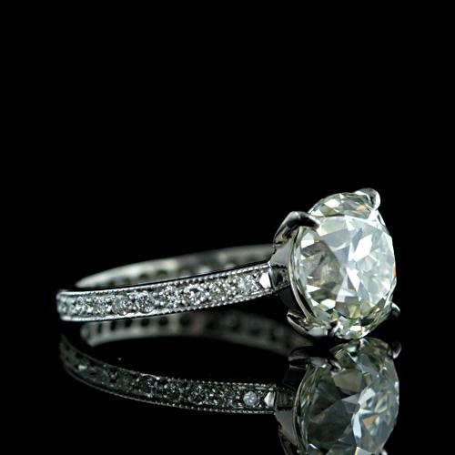 انگشتر الماس نشان