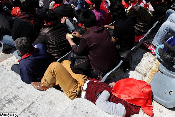 تصاویر: حاشیه های دیدار استقلال و پرسپولیس www.TAFRIHI.com