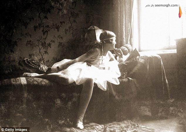 [Image: Rare_Images_of_Hitlers_Wife_Eva_Braun_09.jpg]