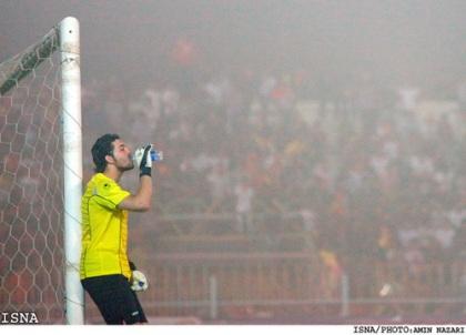 تصاویر: فولاد و پرسپولیس، فوتبال در غبار www.TAFRIHI.com