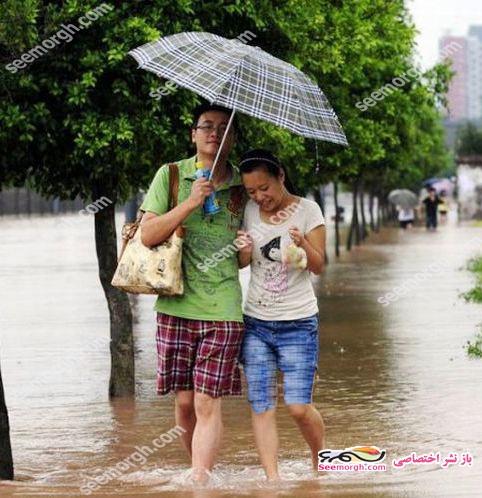اتفاق جالب و خنده دار برای یک زوج درحال قدم زدن عاشقانه!! (عکس)