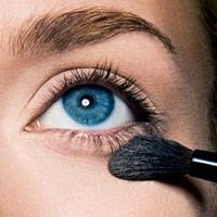 ثابت نگهداشتن کرم پوشاننده,کنسیلر,آموزش تصویری آرایش صورت توسط بابی براون آرایشگر معروف!