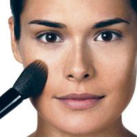 ثابت کردن کرم پودر مرطوب کننده,آرایش صورت,آموزش تصویری آرایش صورت توسط بابی براون آرایشگر معروف!