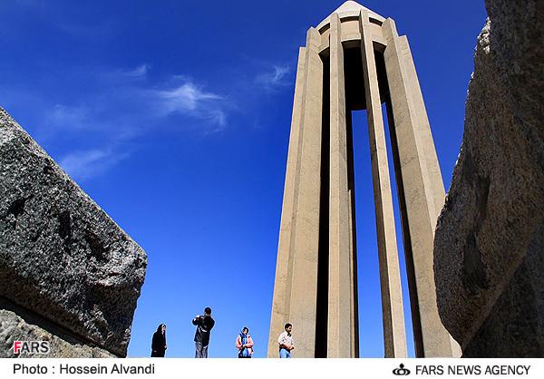 مقبره بو علی سینا