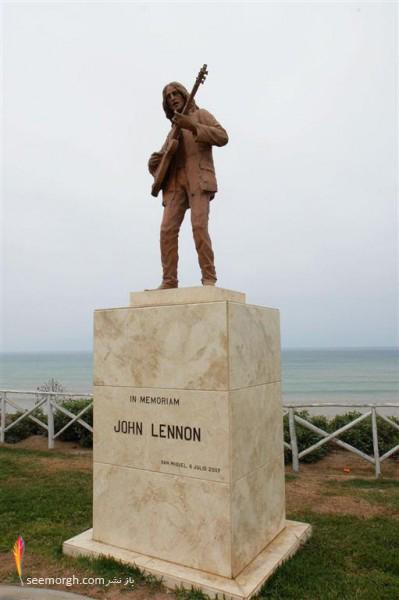 مجسمه جان لنون
