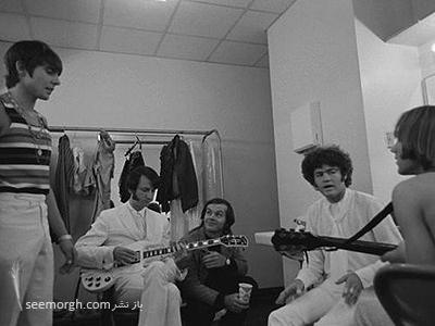 The Monkees in the dressing room.the light went Jack Nicholson عکسهای کمیاب از بازیگران هالیوود که تابحال ندیدهاید!