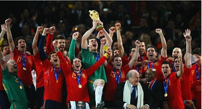 تصاویر اهدای جام جهانی به اسپانیا www.TAFRIHI.com