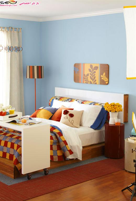 تزیین تخت خواب با کوسن های مخملی