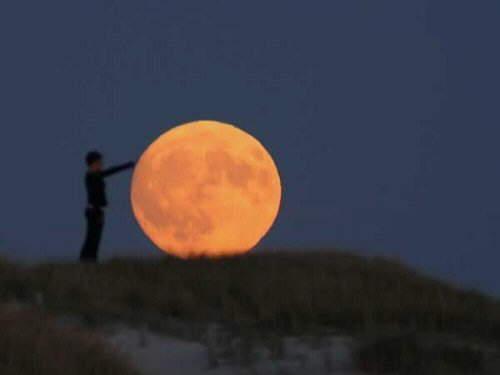 تصاویر فوقالعاده زیبا از بازی انسان و ماه