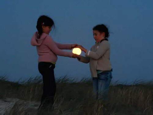 تصاویر فوقالعاده زیبا از بازی انسان و ماه www.TAFRIHI.com