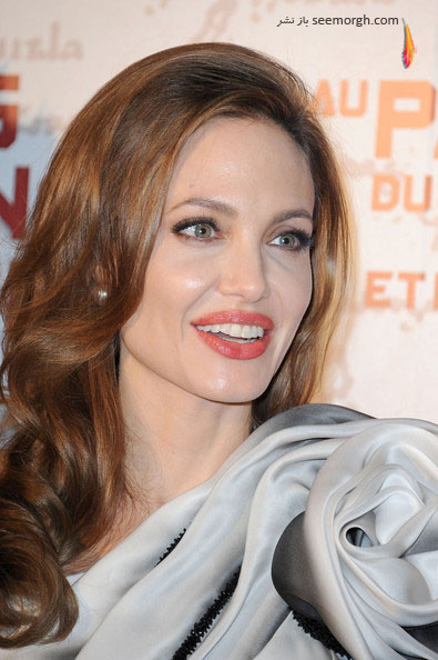 http://www.seemorgh.com/uploads/1390/11/Angelina2.jpg