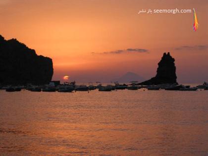 http://www.seemorgh.com/uploads/1390/11/Spiaggia-Sabbie-Nere.jpg