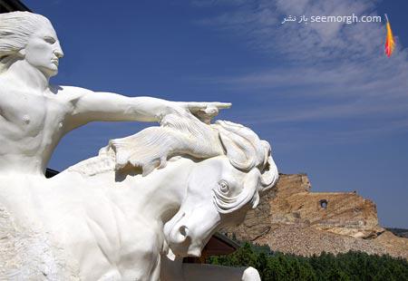 یادبود اسب دیوانه