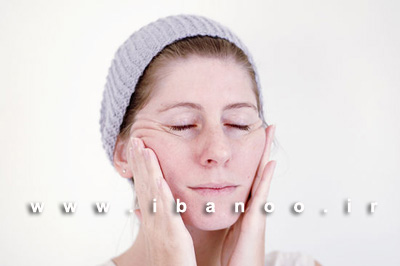 مرحله چهارم ماساژ صورت برای کاهش روند پیری و از بین بردن چین و چروک صورت,آموزش تصویری ماساژ صورت برای کاهش روند پیری و چین و چروک پوست