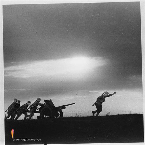 http://www.seemorgh.com/uploads/1391/unseen-world-war-2-photos-22.jpg