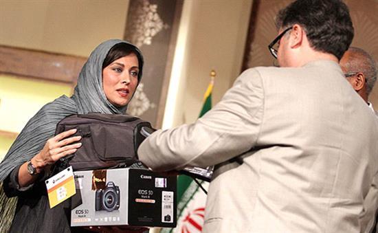 http://www.seemorgh.com/uploads/1392/07/film%20festival%20esfahan5.jpg