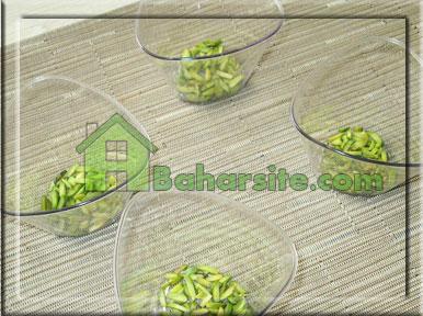 مرحله هفتم درست کردن پودینگ انار و پسته برای شب یلدا