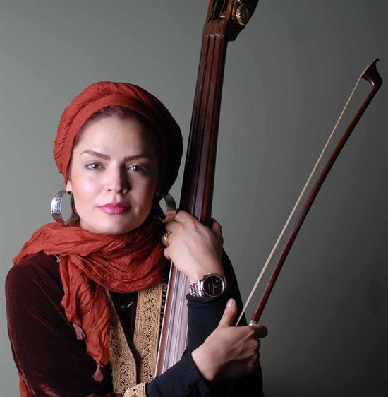 http://www.seemorgh.com/uploads/1392/09/Sepideh-Khodaverdi4.jpeg