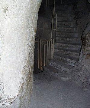 http://www.seemorgh.com/uploads/1392/09/inside_pyramid12.jpg