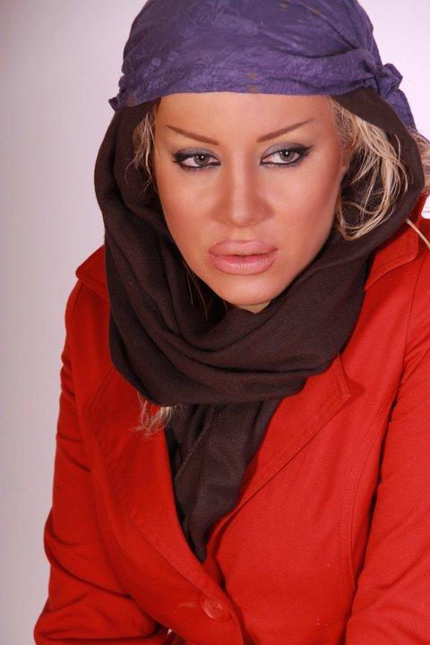 http://www.seemorgh.com/uploads/1392/09/sharareh%20rokham6.jpg