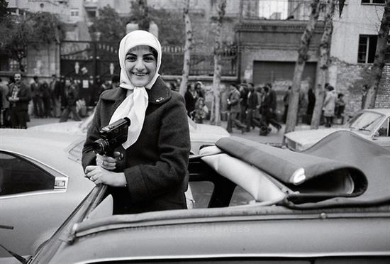عکس های دیوید بارنت از انقلاب 57