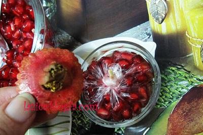 مرحله پنجم تزیین انار برای شب یلدا