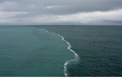 این  دریای عجیبی است که در قرآن آمده است!