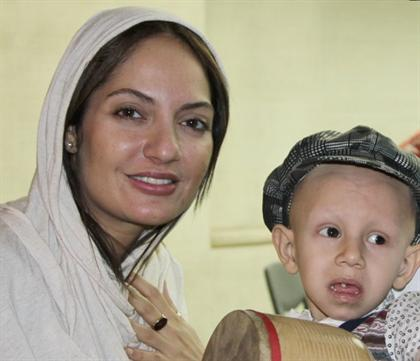 عکس های مهناز افشار در کنار کودک سرطانی!