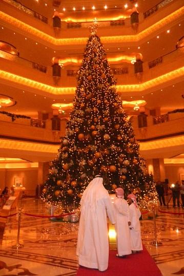 وقتی یک عرب بخواهد کریسمس را جشن بگیرد!! + تصاویر جالب TAFRIHI.com