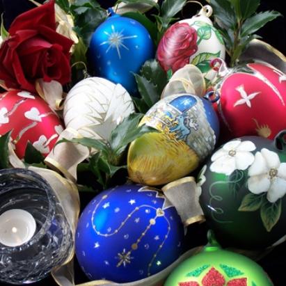 تزیین تخم مرغ با رنگ های غیر طبیعی