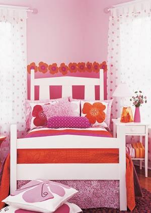 اتاق خواب با دکوراسیونی سرشار از گل,دکوراسیون اتاق خواب با ایده هایی جالب و چشم نواز مخصوص سنین 7 تا 15 سال,دکوراسیون اتاق خواب مخصوص سنین 7 تا 15 سال