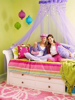 اتاق خواب رنگی با یک دکوراسیون رویایی,دکوراسیون اتاق خواب با ایده هایی جالب و چشم نواز مخصوص سنین 7 تا 15 سال,دکوراسیون اتاق خواب مخصوص سنین 7 تا 15 سال