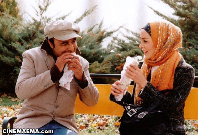 رضا عطاران در کلاهی برای باران