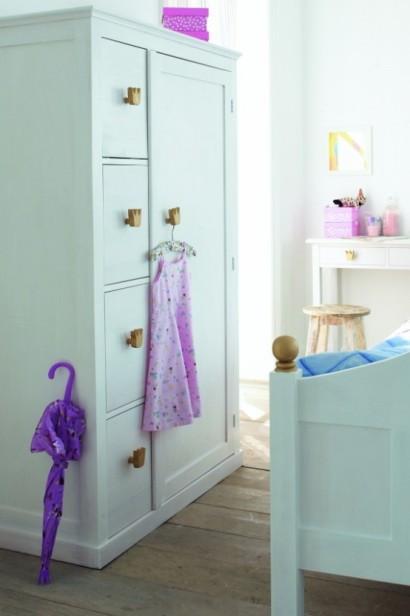 کمد کودک با طرح کلاسیک با رنگ آبی روشن,کمدهای زیبا و کودکانه,مدلهای جدید میز تحریر و کمد برای کودکان!
